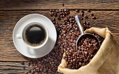7 façons d'utiliser le café sur vos cheveux