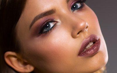 Huda Beauty lance des palettes d'ombres à paupières nues pour chaque teint