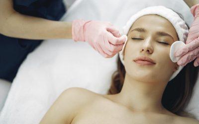 Quel traitement pour rajeunir son visage sans bistouri?