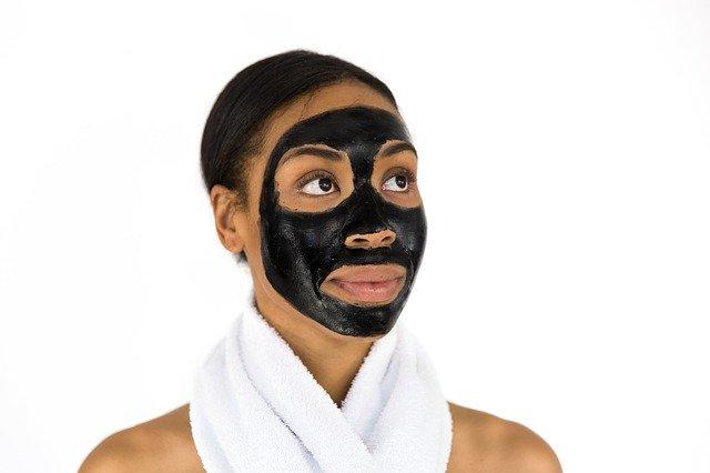 Les produits cosmétiques « éclaircissants » pour peaux ethniques sont-ils dangereux ?